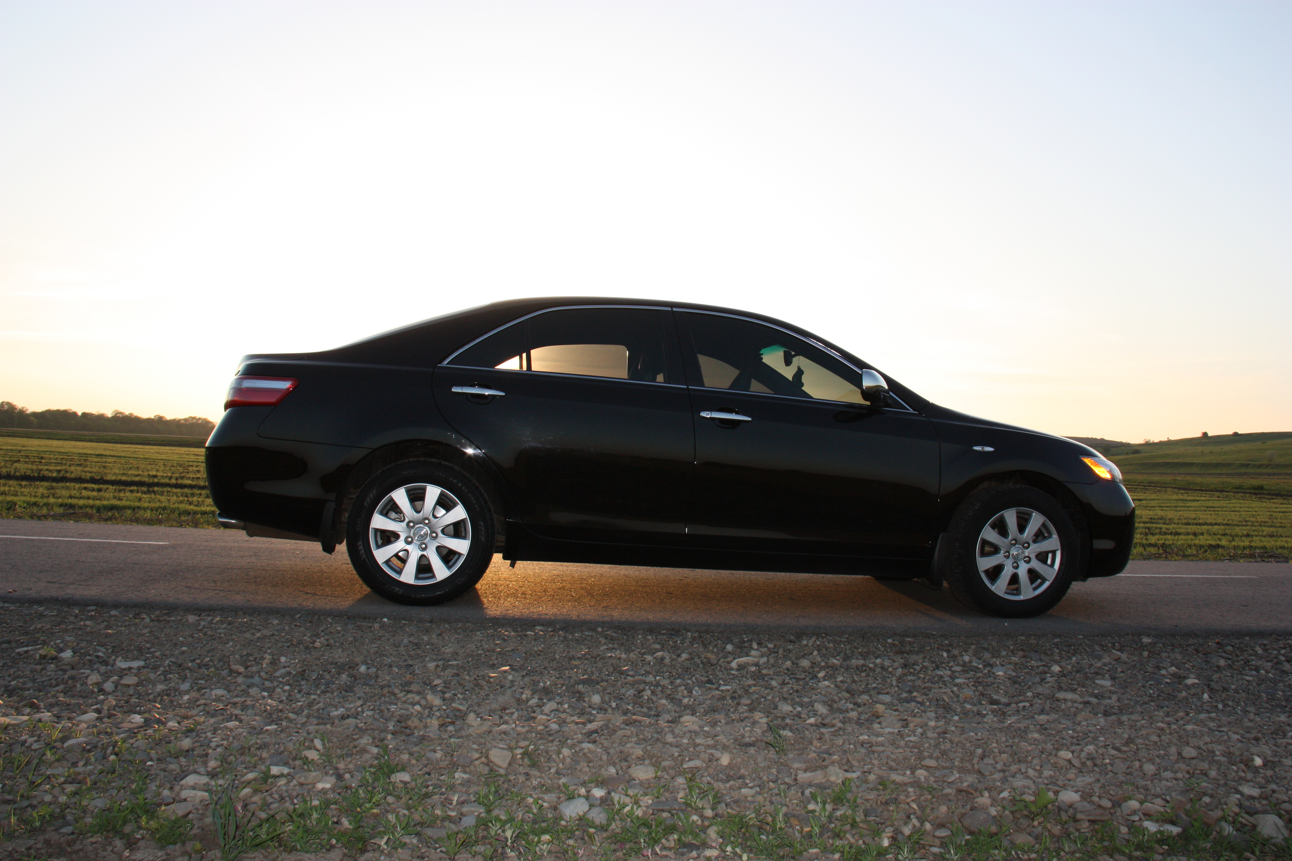 Toyota Camry 2008 г